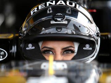Aseel Al-Hamad, al volante de un Renault de 2012 en Paul Ricard