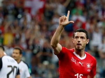 Dzemaili celebra su gol ante Costa Rica