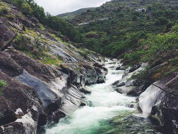 Las piscinas naturales de España que no puedes perderte este verano