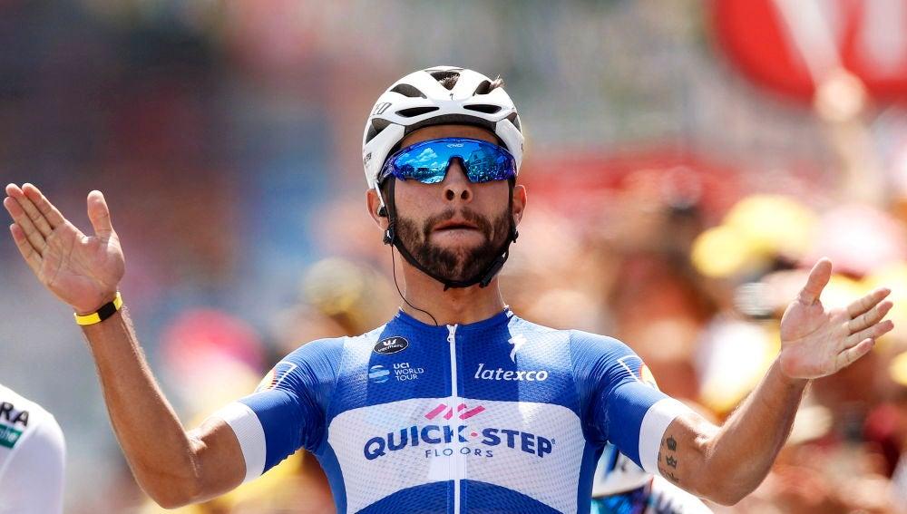 Gaviria celebra su victoria en la primera etapa del Tour de Francia 2018