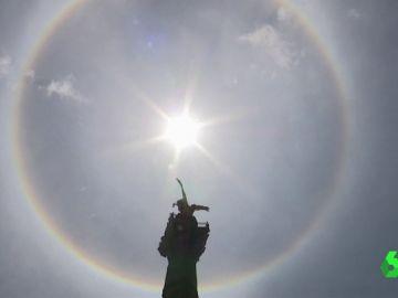Halo solar en la plaza de la independencia de México