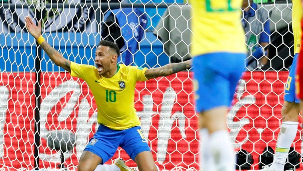Neymar protesta