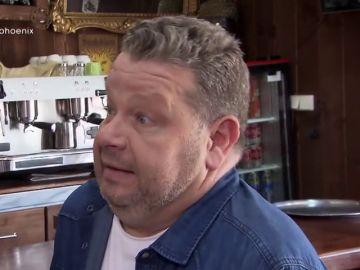 """Alberto Chicote queda alucinado con el antiguo nombre del restaurante: """"Luces rojas y azules y se llamaba el 'Conejo rojo'"""""""