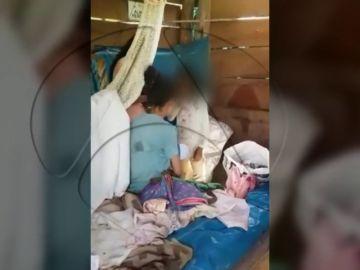 """""""Acá no vive ninguna Patricia"""": nuevas imágenes del rescate de Patricia Aguilar muestran el lavado de cerebro de la secta Gnosis"""