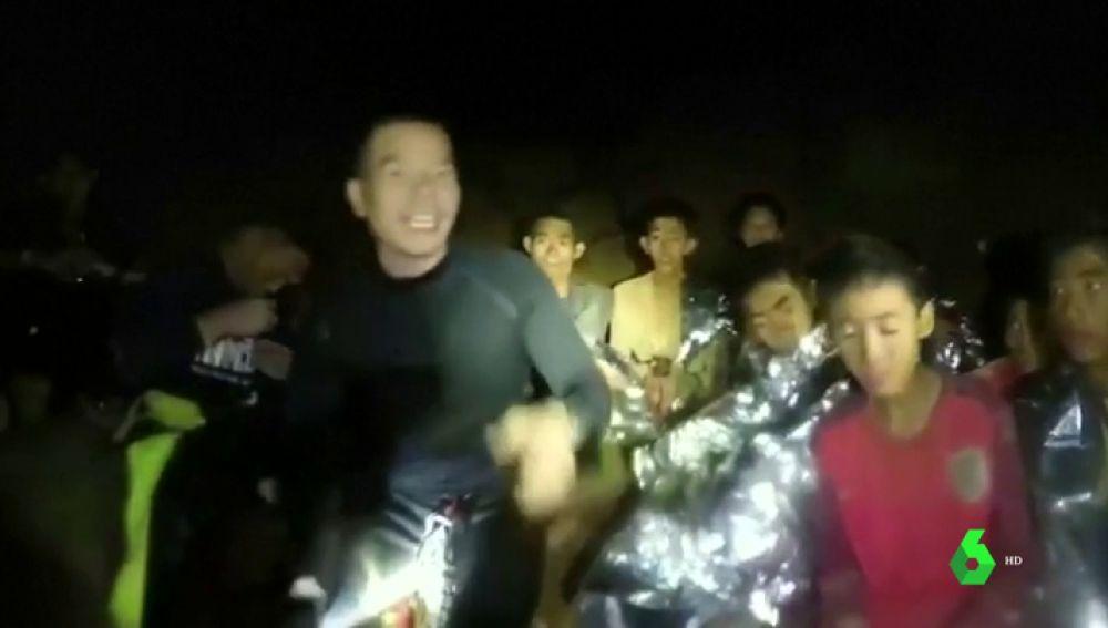 Los niños atrapados en una cueva de Tailandia