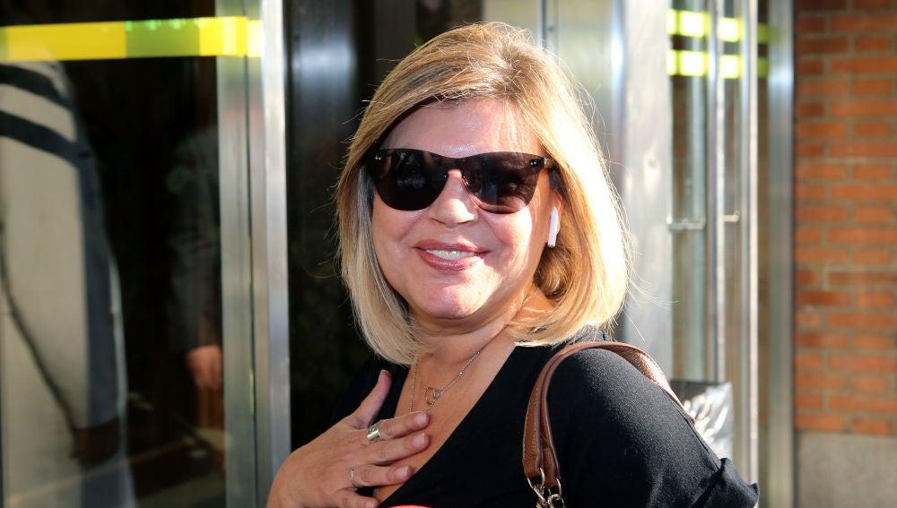 Terelu Campos llega al Hospital Fundación Jiménez Díaz