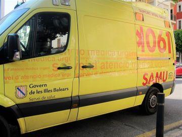 Imagen de archivo de una ambulancia del SAMU 061