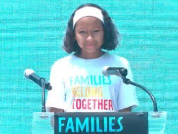 Leah, la niña de 12 años que se convierte en la voz de los migrantes