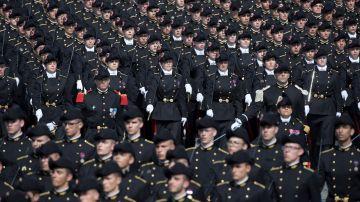 Militares en el desfile del Día Nacional de Francia