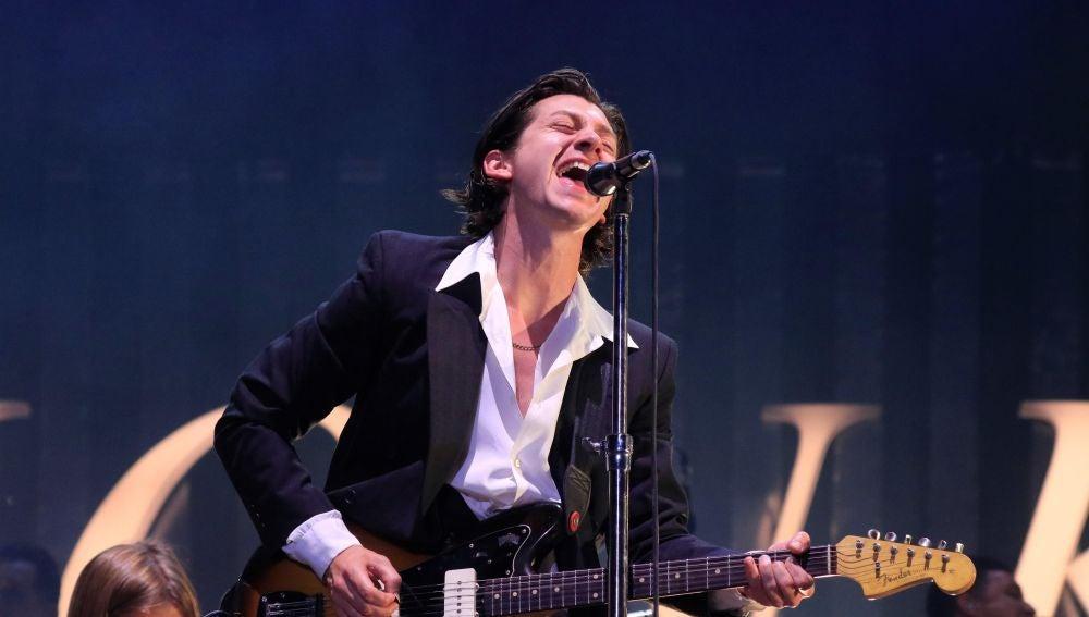 El compositor y cantante de la banda británica 'Arctic Monkeys'