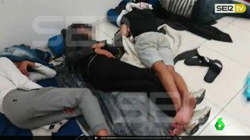 La juez decana de Barcelona prohíbe por dignidad que los menores no acompañados duerman en el suelo de la fiscalía