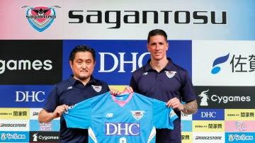 Fernando Torres durante la presentación con el Sagan Tosu