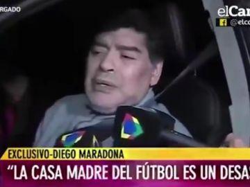 Maradona atiende a un medio argentino