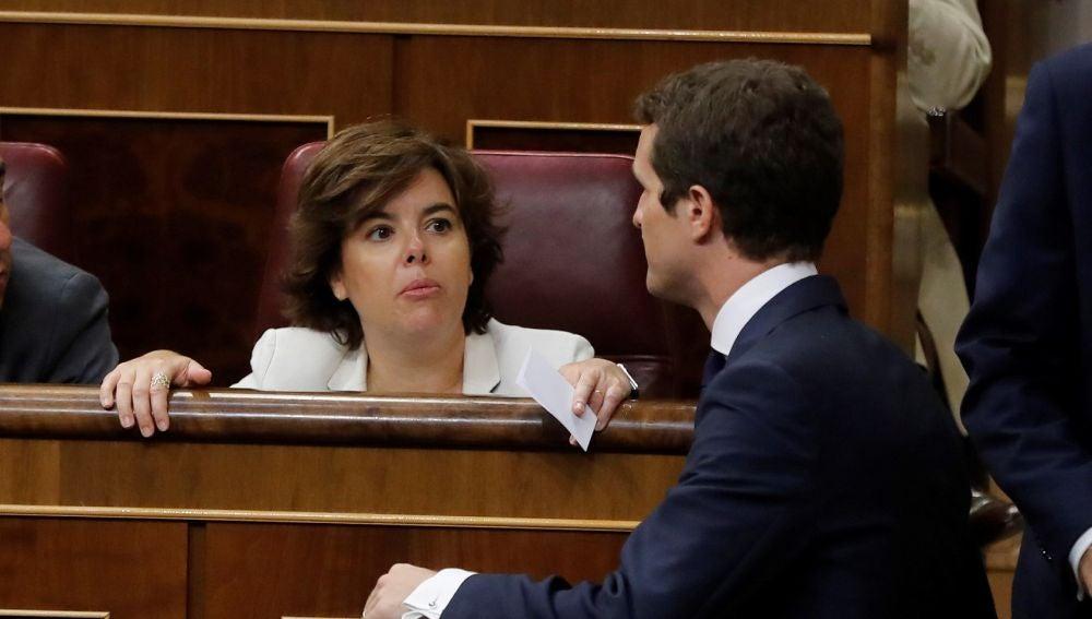 Soraya Sáenz de Santamaría y Pablo Casado en el Congreso