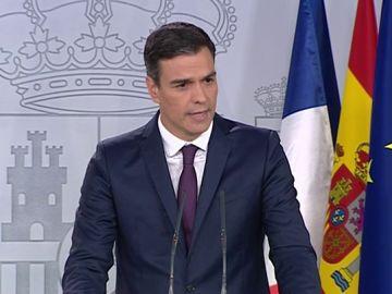 """Sánchez anuncia un acuerdo con Macron sobre inmigración: """"Es un desafío que exige una respuesta solidaria y responsable de la UE"""""""