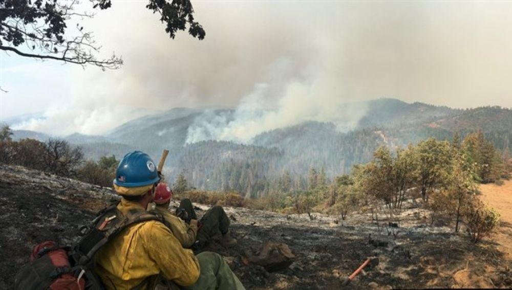 En la imagen uno de los últimos incendios en California