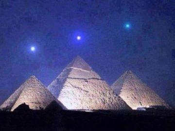 Planetas alineados sobre las pirámides de Giza