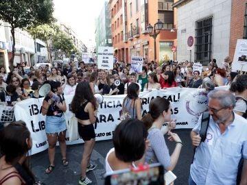 Vista de la concentración convocada por asociaciones feministas en Madrid