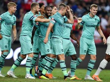 El Arsenal celebra un gol