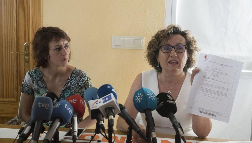 Francisca Granados junto a Juana Rivas