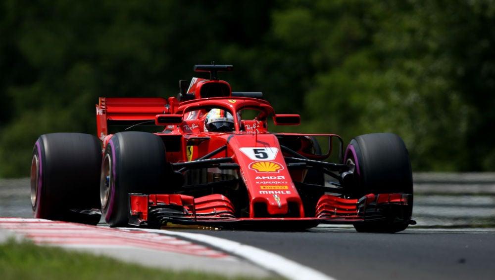 Vettel rueda en Hungaroring
