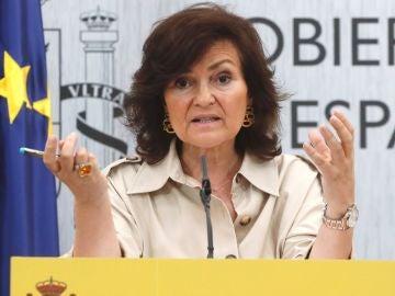 La vicepresidenta del Gobierno, Carmen Calvo, durante la rueda de prensa que ofreció tras la reunión de la Conferencia Sectorial de Igualdad