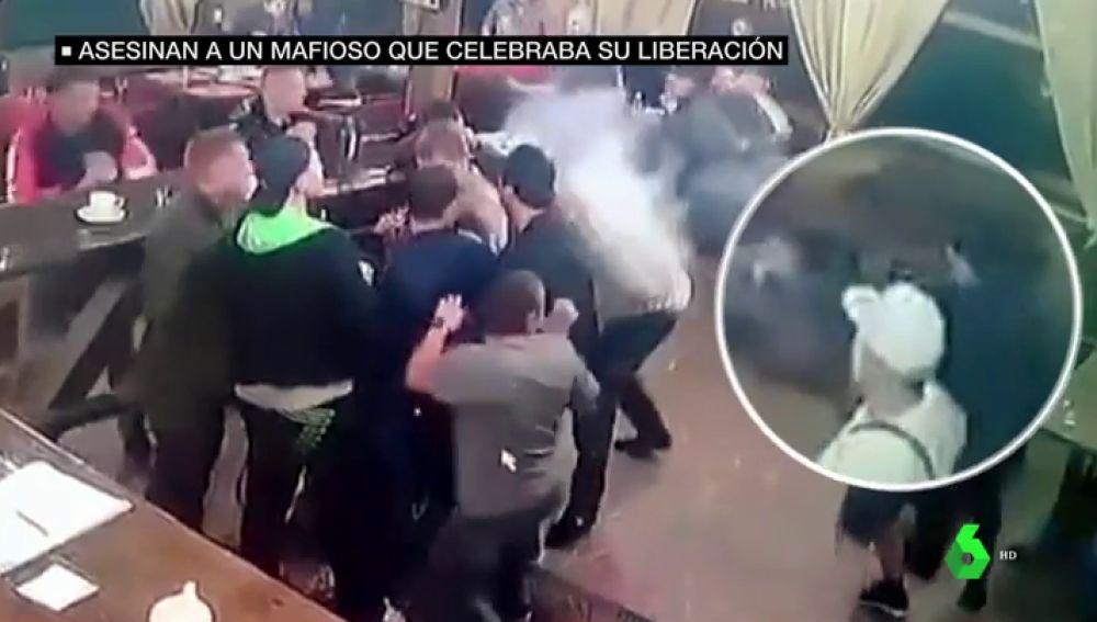 Duras imágenes: asesinan a tiros a un mafioso ruso en mitad de una fiesta en la que celebraban su salida de prisión