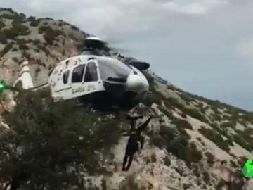 Rescate a un montañero en los pirineos