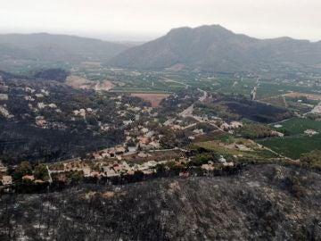Vista aérea del incendio en Llutxent