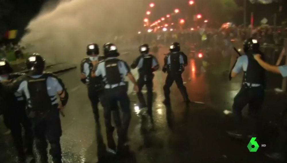 Una protesta contra la corrupción deja al menos 440 heridos en Bucarest, Rumanía