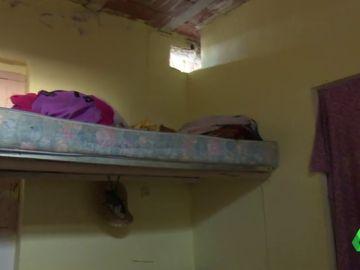 Albergues cerrados, sin obligación de darles alojamientos, viviendo en casas pateras... piden un nuevo convenio que regule las viviendas de los temporeros