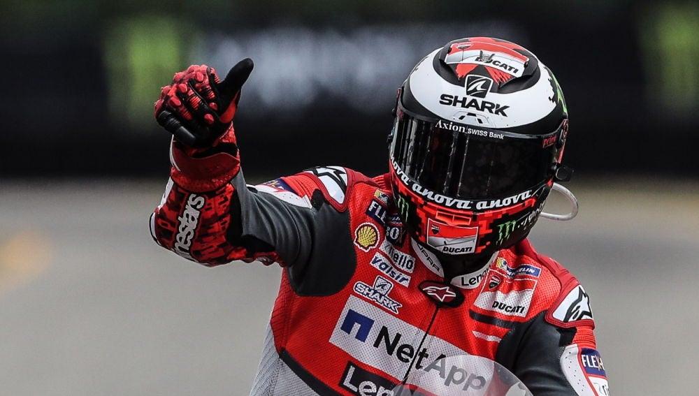 Lorenzo gana el pulso a Márquez en un duelo vibrante