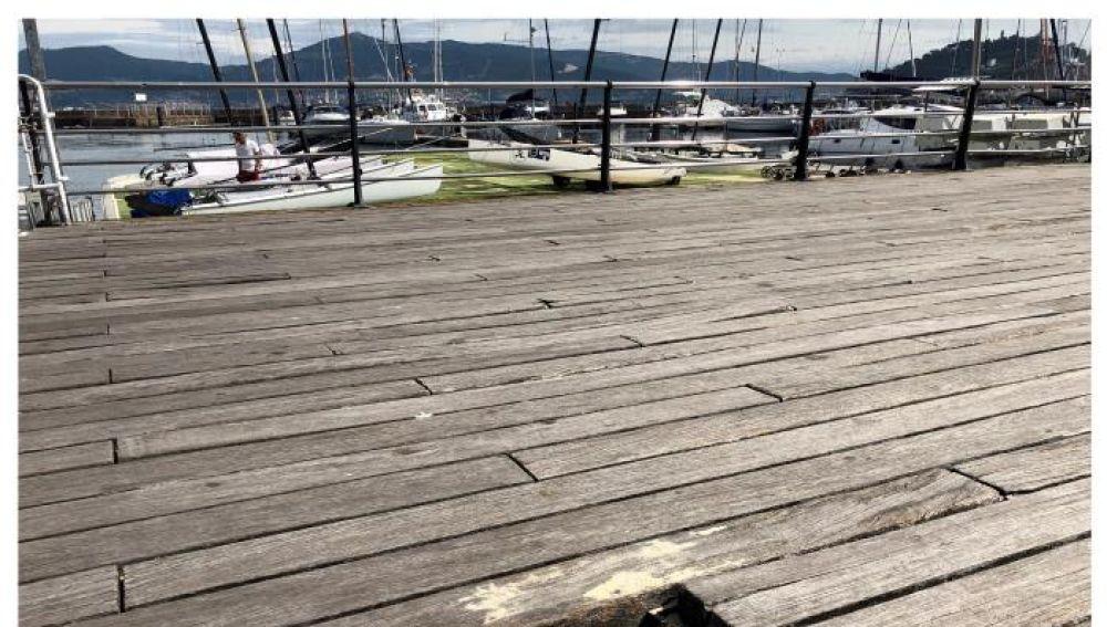 Fotografías del piso deteriorado del paseo marítimo de Vigo, tomadas a finales del pasado mes de julio