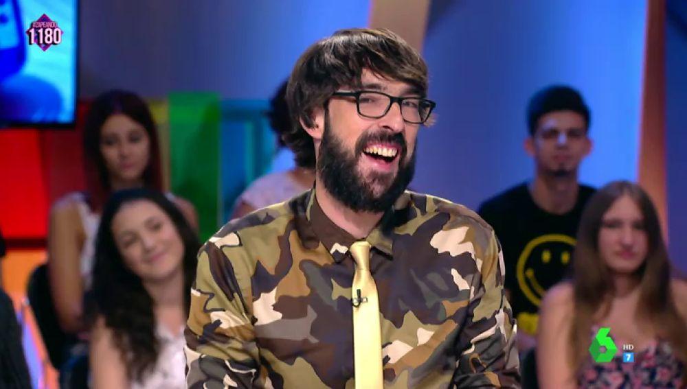 """La camisa de Quique Peinado que desata las bromas en Zapeando: """"Yo tengo unos gallumbos iguales"""""""