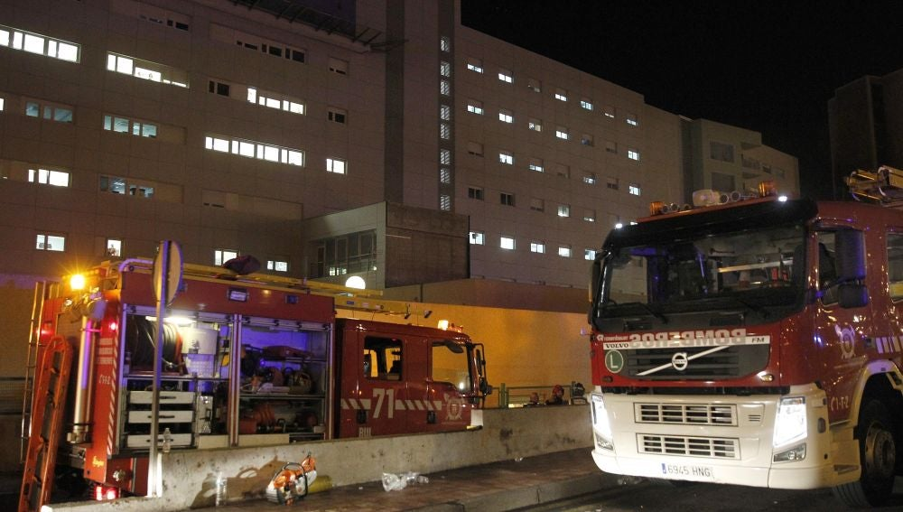 El incendio declarado en el Hospital Nuestra Señora de Candelaria, en Tenerife