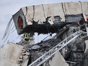Derrumbe de un puente en la ciudad italiana de Génova