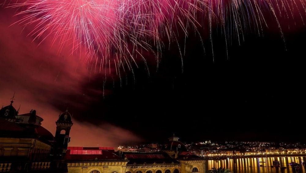 Fuegos artificiales durante la Semana Grande de Donostia