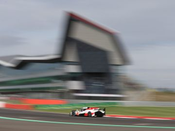 Alonso, a bordo del Toyota