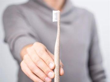 Imagen del cepillo de dientes sostenible de la empresa española 'Todarus'