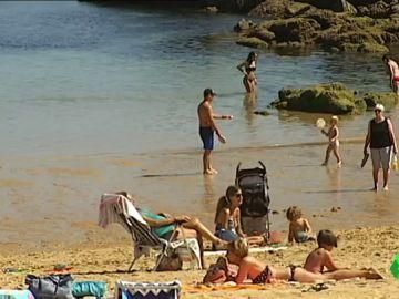 Día de calor extremo en toda España: tanto en el norte como en el sur las temperaturas no bajan de los 34 grados