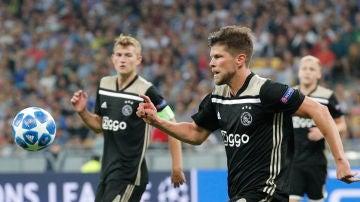 Huntelaar, en acción contra el Dinamo