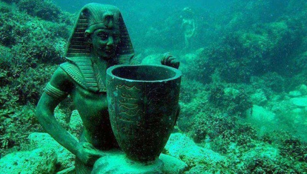 Escultura en la Ciudad Sumergida de Cleopatra