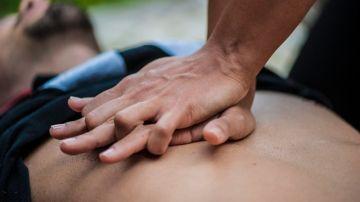 Imagen de archivo de un masaje cardíaco