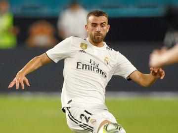 Borja Mayoral en un partido con el Real Madrid