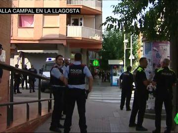 El clan de La Llagosta abandona su piso y los Mossos lo tapian tras las violentas protestas vecinales