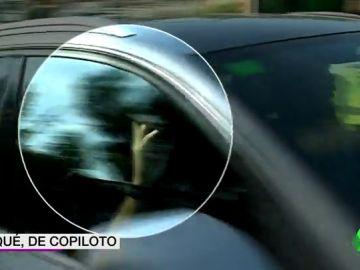 Gerard Piqué llega a la concentración del Barcelona como copiloto: su hermano conducía