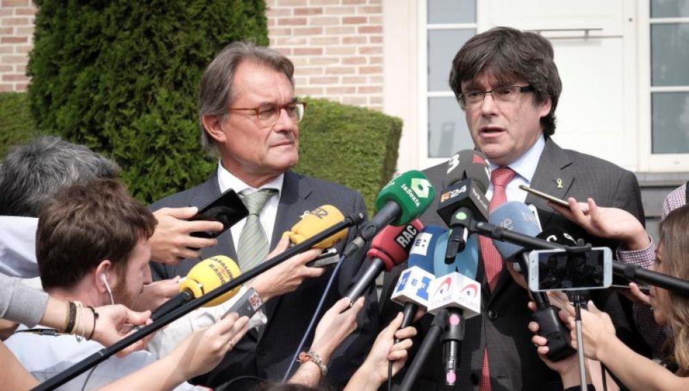 Artur Mas y Carles Puigdemont ante los medios de comunicación