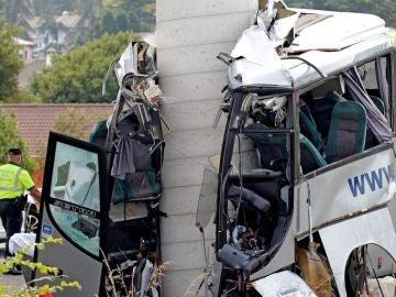 Autobús siniestrado en Avilés