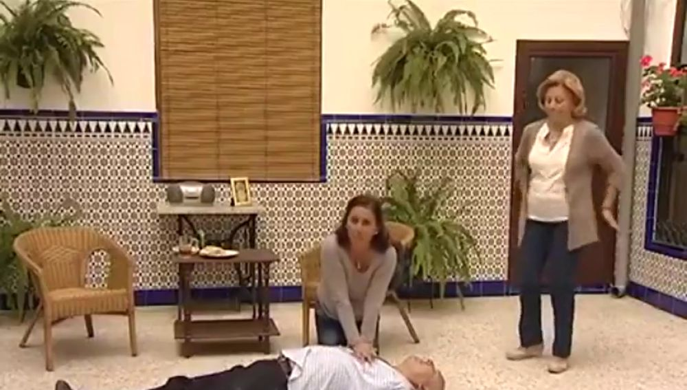 El genial vídeo de la televisión de Écija para saber cómo actuar ante un infarto