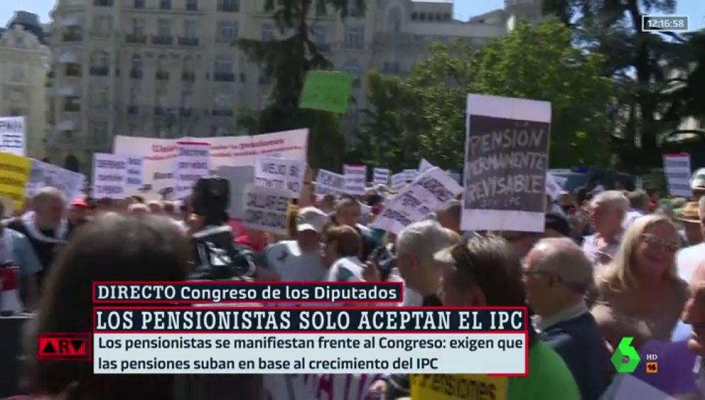 Pensionistas a las puertas del Congreso